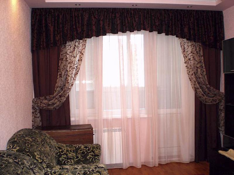 Занавески к спальню соединенную с балконом. - окна из пласти.